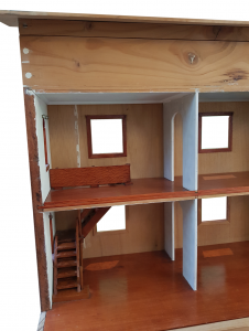 Trompe Dollhouse Before - close up